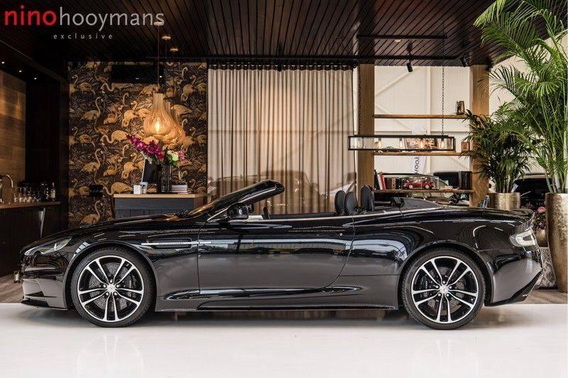 Aston Martin DBS Volante 6.0 V12 Black Carbon Edition afbeelding 2