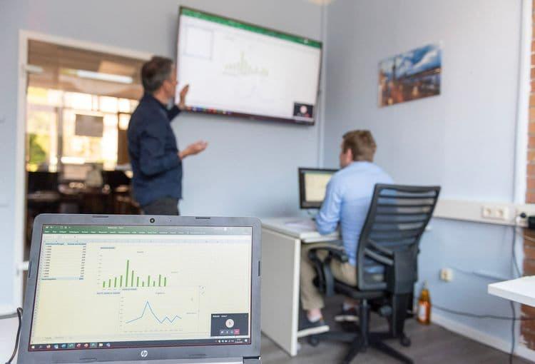 Excel-Seminar im Schulungsraum von easy data solution