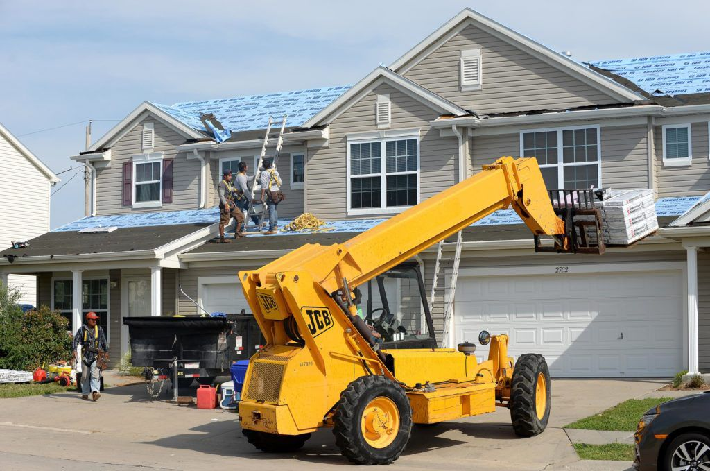 roofing-company-1024x679