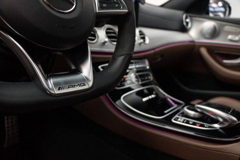"""Mercedes-Benz E-Klasse E63s AMG 4Matic 612pk Panoramadak Distronic Schaalstoelen Burmester ComandOnline Keyless 20"""" Parktronic Pdc VerlengdeGarantie t/m 03/2022 afbeelding 19"""