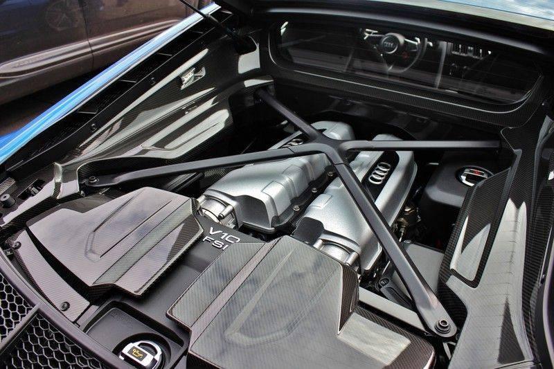 Audi R8 5.2 V10 Performance Quattro 620pk **Keramisch/B&O/Carbon/DAB/Camera** afbeelding 11