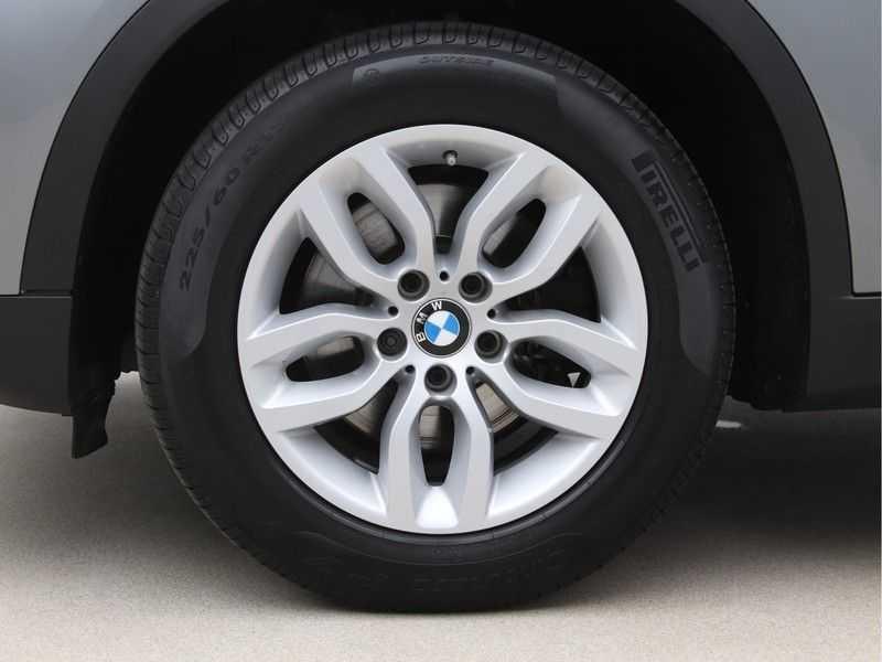 BMW X3 xDrive20i Exe X-Line Aut. afbeelding 17