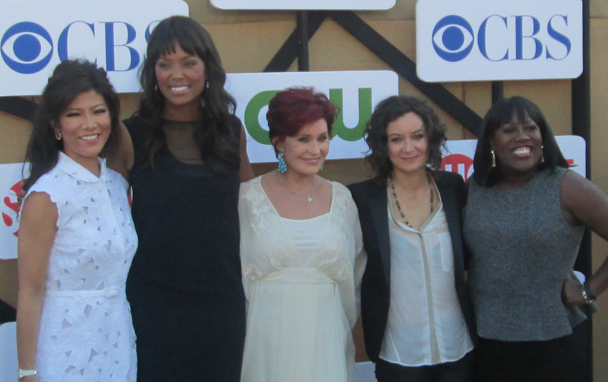 Sara Gilbert With Her co-stars