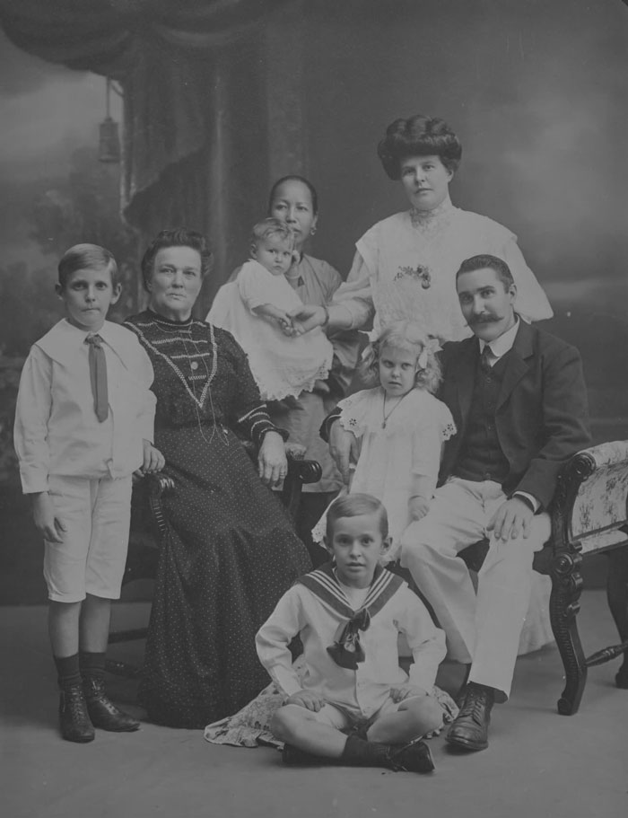 European family with Chinese amah, 1900s