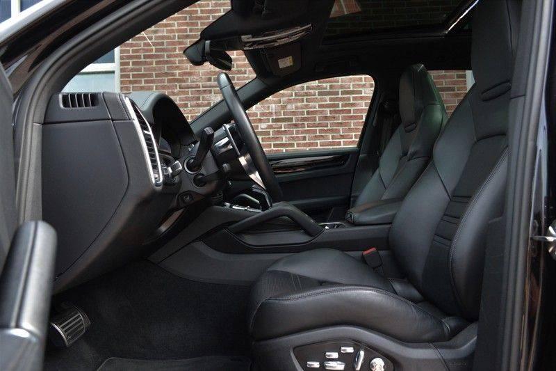 Porsche Cayenne 2.9 S 441pk Pano Luchtv Trekh Adp-zetels PDLS 21inch afbeelding 4