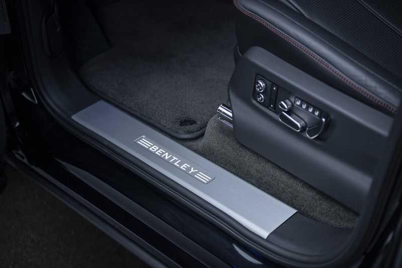 Bentley Bentayga V8 FIRST EDITION MY 2021 + Naim Audio + Onyx Pearl Black + Apple CarPlay (draadloos) afbeelding 12