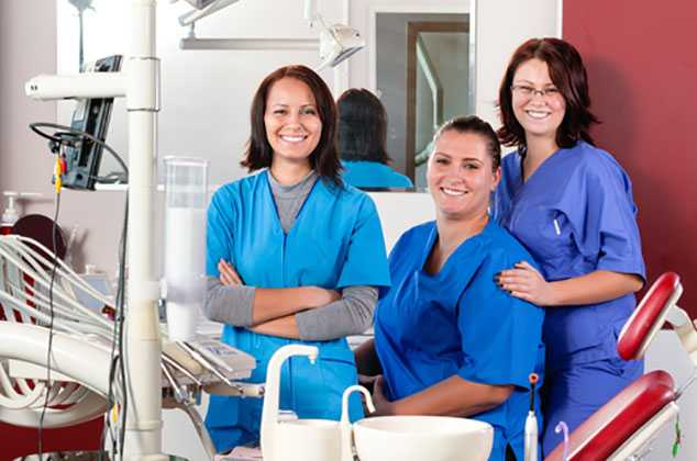 How Dental Assistant Training Can Prepare you for a Career in Dentistry