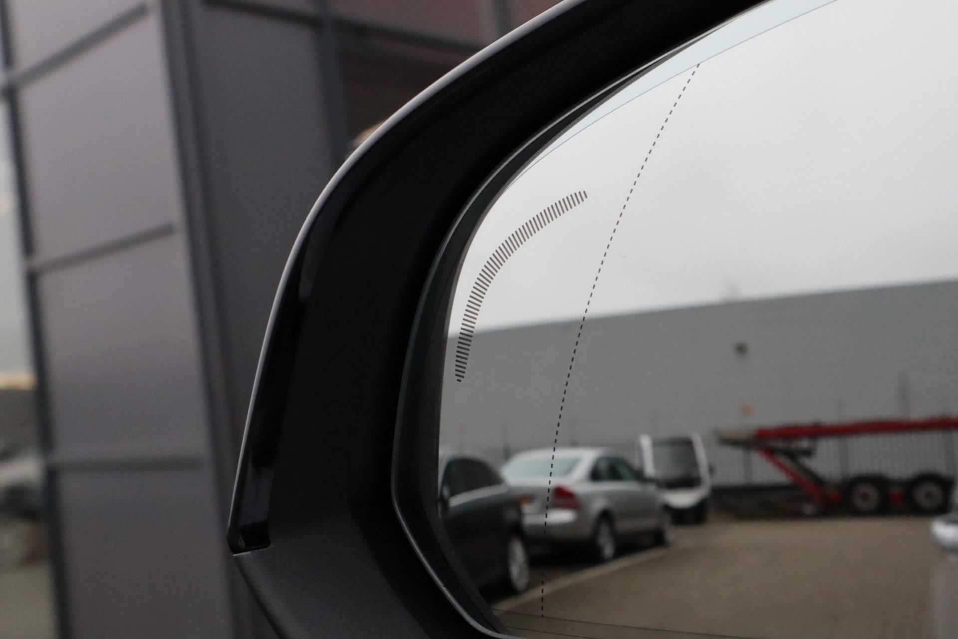 "Volvo XC40 Recharge P8 AWD R-Design EX BTW! Panoramadak 360 Camera 20""LM 8% Bijtelling Direct Leverbaar afbeelding 5"