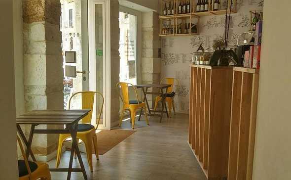 Gli interni del café