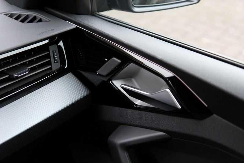 Audi A1 Sportback 40 TFSI S-LINE+LEDER+NAVI+ABT afbeelding 17