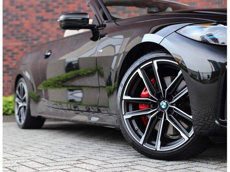 BMW 4 Serie Cabrio M440i xDrive *Trekhaak*Nekverwarming*Head-Up* afbeelding 2