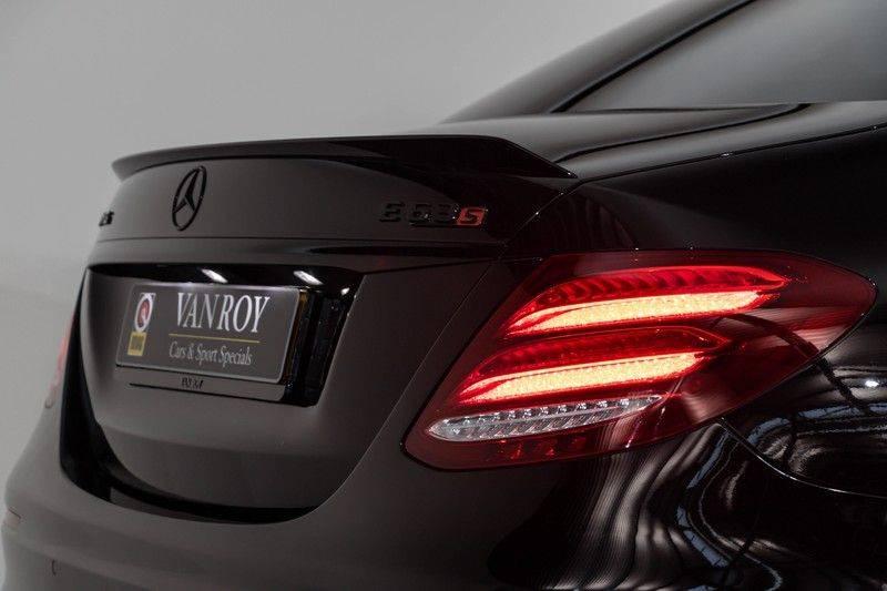 """Mercedes-Benz E-Klasse E63s AMG 4Matic 612pk Panoramadak Distronic Schaalstoelen Burmester ComandOnline Keyless 20"""" Parktronic Pdc VerlengdeGarantie t/m 03/2022 afbeelding 7"""