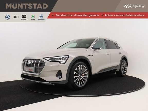 Audi e-tron 55 quattro advanced Incl. BTW | +/- 130 Netto bijtelling | Airco separaat achter | Navigatiesysteem | Cruise control adaptief | Extra getint glas | 360 camera | Stoel massage/ventilatie/verwarming vóór |