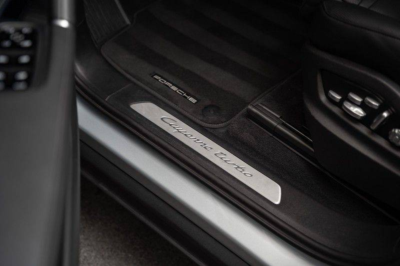 Porsche Cayenne Turbo Pano Bose Keyless Adaptive Cruise Control afbeelding 10