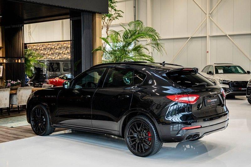 Maserati Levante 3.0 V6 D AWD | BTW | Black pack | Pano | Rood sticksel | Harman Kardon | Voertuigvolgsysteem | Nieuwe onderhoudsbeurt | afbeelding 8