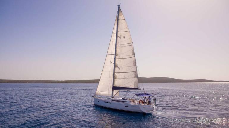 An adventure awaits when you go Greece sailing!