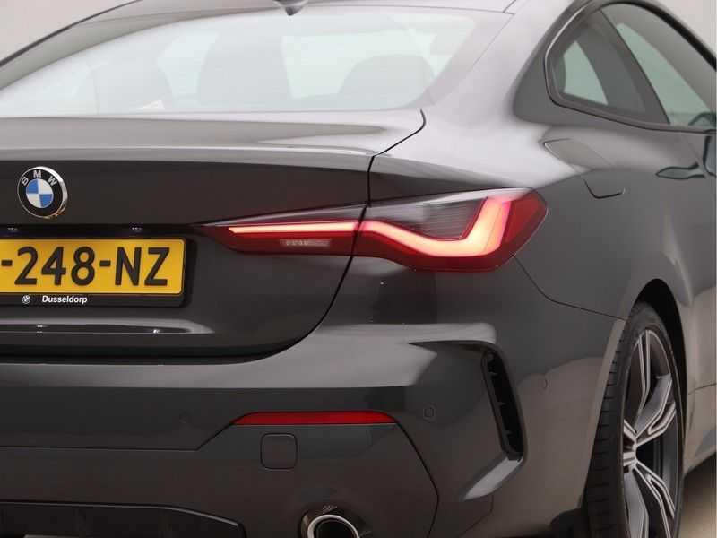 BMW 4 Serie Coupé 420i High Exe M-Sport Aut. afbeelding 20