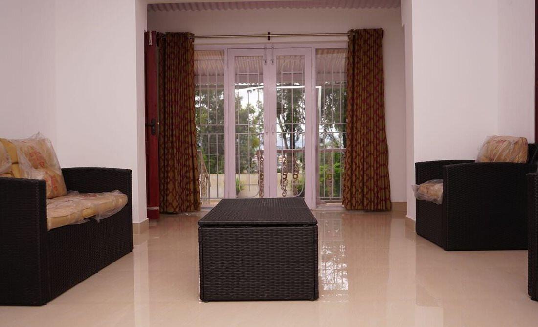 Quail Hill Carmel House Living room