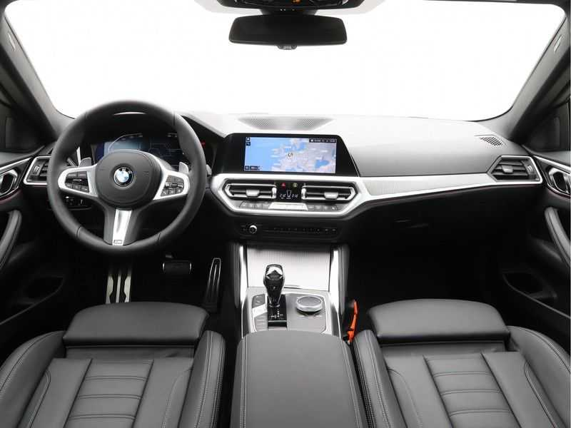 BMW 4 Serie Coupé 420i High Exe M-Sport Aut. afbeelding 7