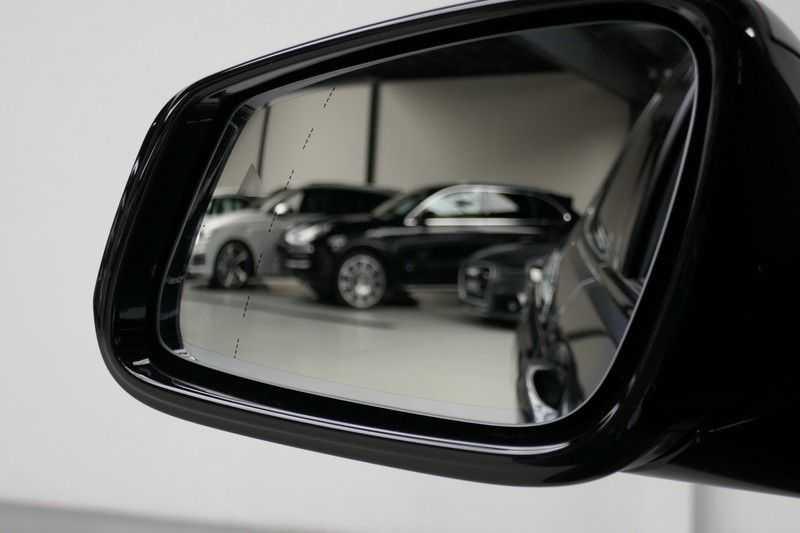 BMW 1 Serie M135i xDrive High Executive Virtual - Led - Panodak afbeelding 9