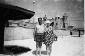 Laurence and Ester Ward on Daytona Beach, Florida, USA, August 1954