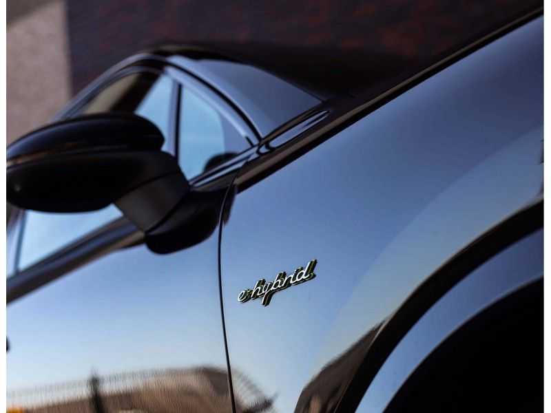Porsche Cayenne 3.0 E-Hybrid *Pano*Chrono*ACC*PASM*HUD*Bose* afbeelding 16