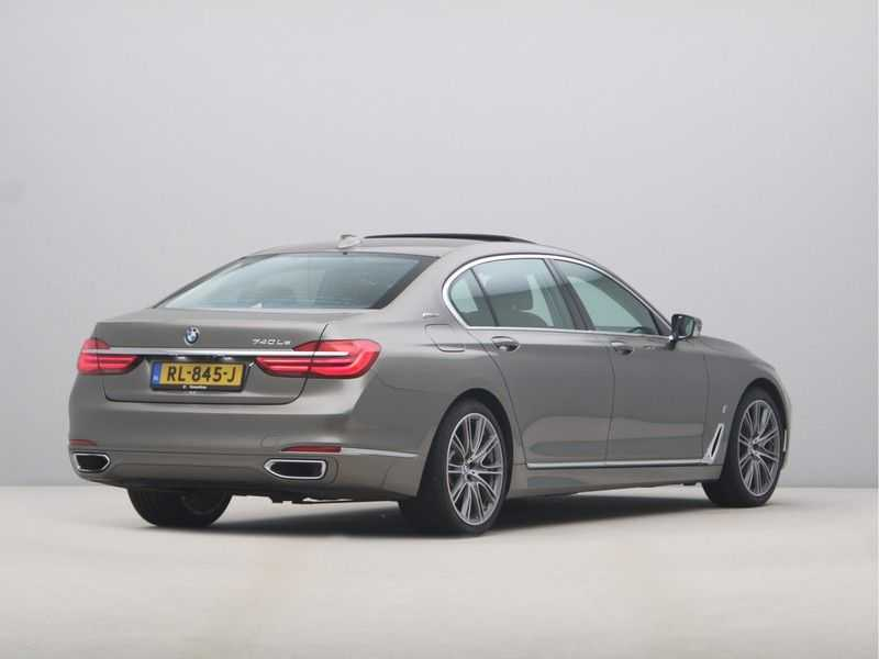 BMW 7 Serie 740Le iPerformance High Executive afbeelding 6