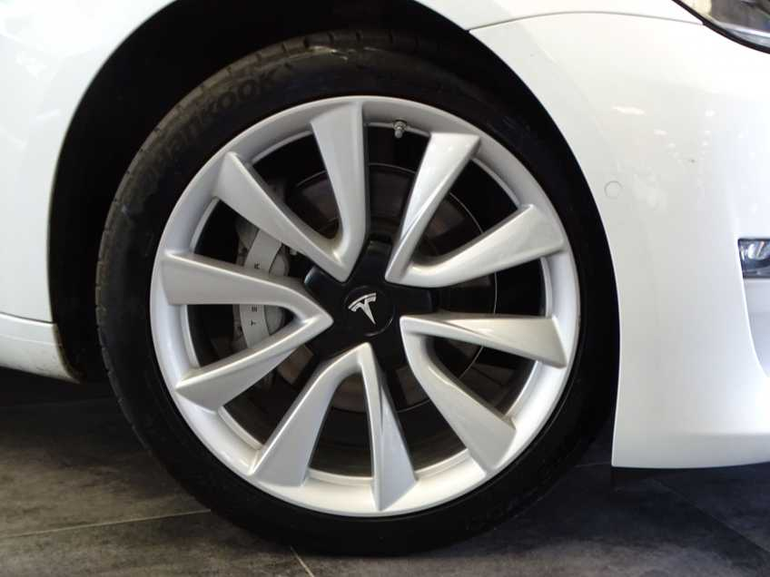 "Tesla Model 3 Long Range   prijs ex.btw 44.450,-   Wit Wit 19""LM% Bijtelling afbeelding 14"