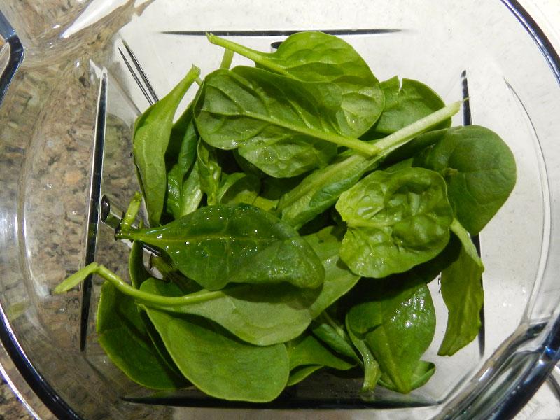Spinach Pesto Ingredients in Blender