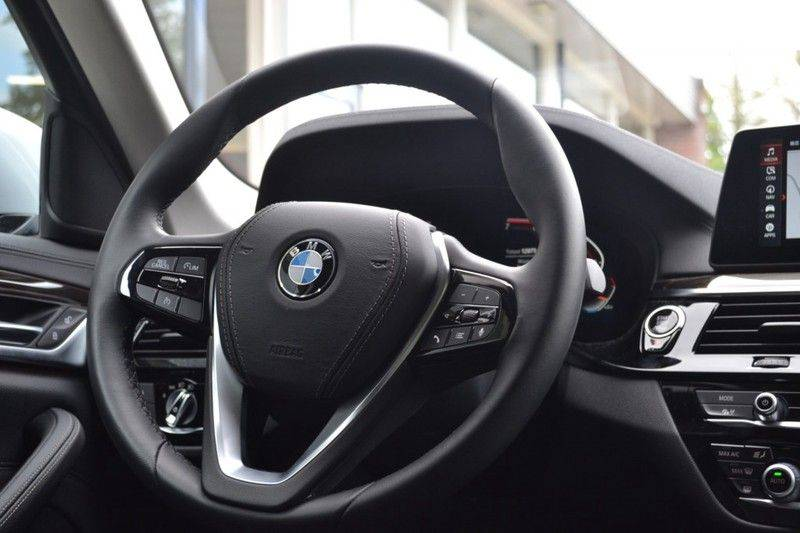 BMW 5 Serie 530i xDrive Luxury Line Facelift afbeelding 9