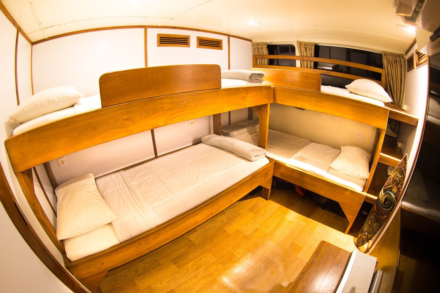 Sibon Jaya luxury surf catamaran charter boat Mentawai and beyond suite
