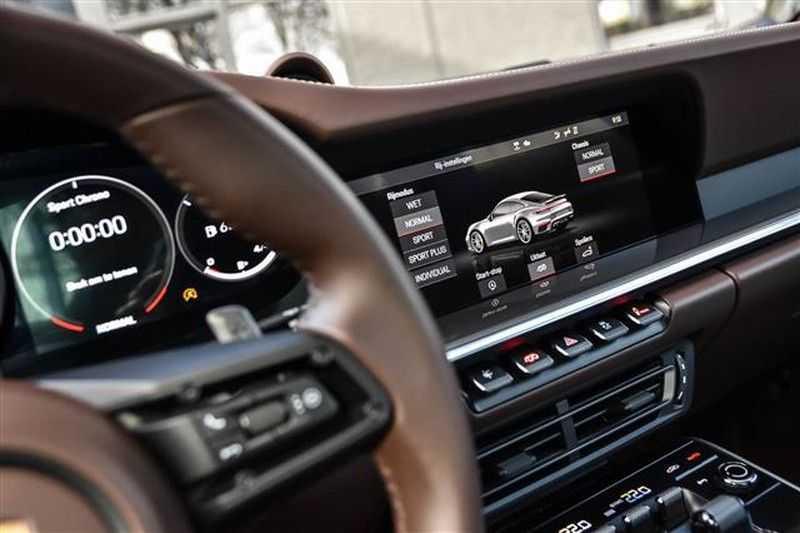 Porsche 911 TURBO S BURMESTER+LIFT+ACC+GLASDAK NP.305K afbeelding 3