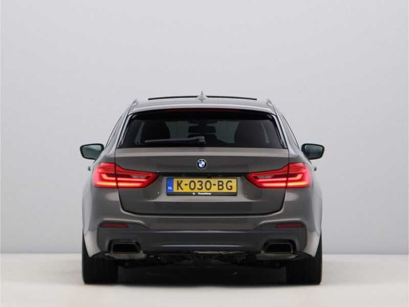 BMW 5 Serie Touring M550d xDrive High Executive Automaat Euro 6 afbeelding 2