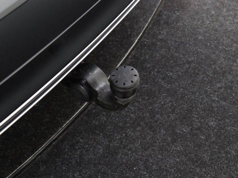 Audi Q5 50 TFSI e 299 pk quattro S edition   S-Line  Assistentiepakket City/Parking/Tour   360* Camera   Trekhaak wegklapbaar   Elektrisch verstelbare/verwambare voorstoelen   Adaptive Cruise Control   Verlengde fabrieksgarantie afbeelding 22