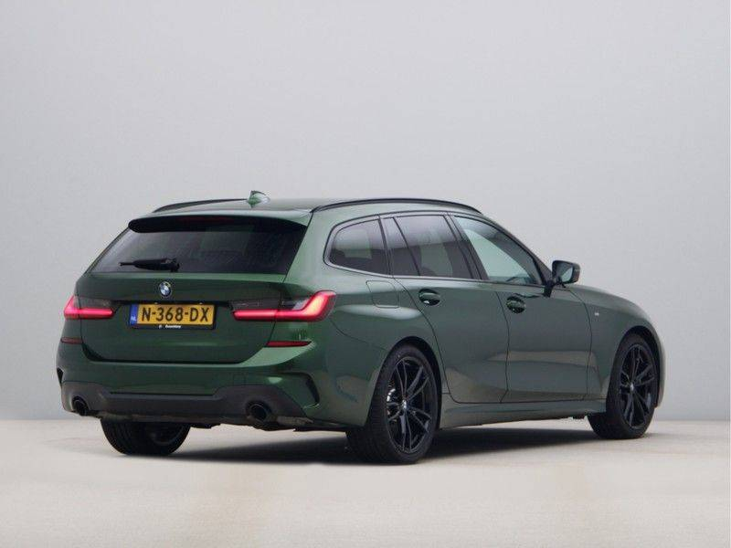 BMW 3 Serie 320i Touring Executive Edition M-sport afbeelding 9