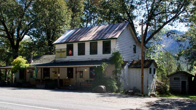 Wildwood Tavern and Lodge
