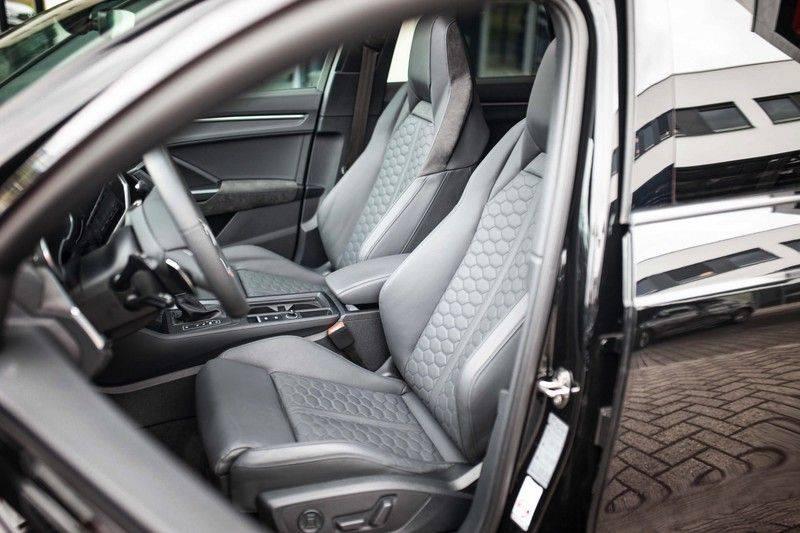 Audi RS Q3 2.5 TFSI Quattro *B&O / Pano / ACC / RS Sportstoelen / Sportuitlaat / Trekhaak* afbeelding 5