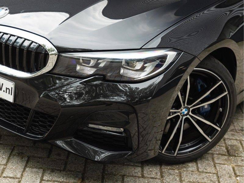 BMW 3 Serie Touring 330i M-Sport - Individual - Memoryzetel - Panorama - Trekhaak afbeelding 8