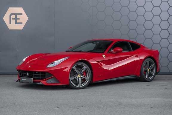 Ferrari F12 6.3 F12berlinetta Rosso Corsa, Carbon interieur, Sport uitlaat