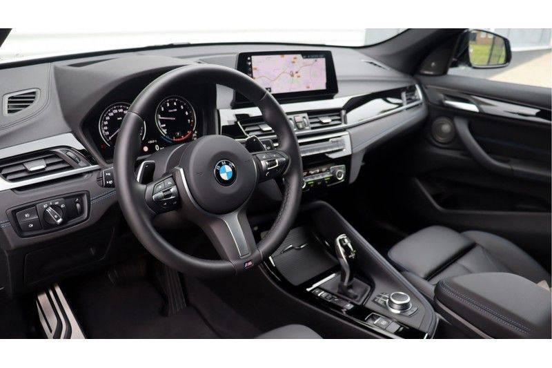 BMW X1 xDrive20i High Executive M Sport Panoramadak, Head-Up Display, Leder, Trekhaak afbeelding 8