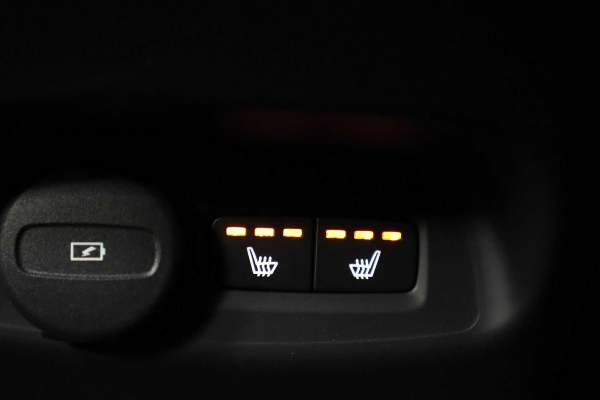 "Volvo XC40 Recharge P8 AWD R-Design EX BTW! Panoramadak 360 Camera 20""LM 8% Bijtelling Direct Leverbaar afbeelding 13"