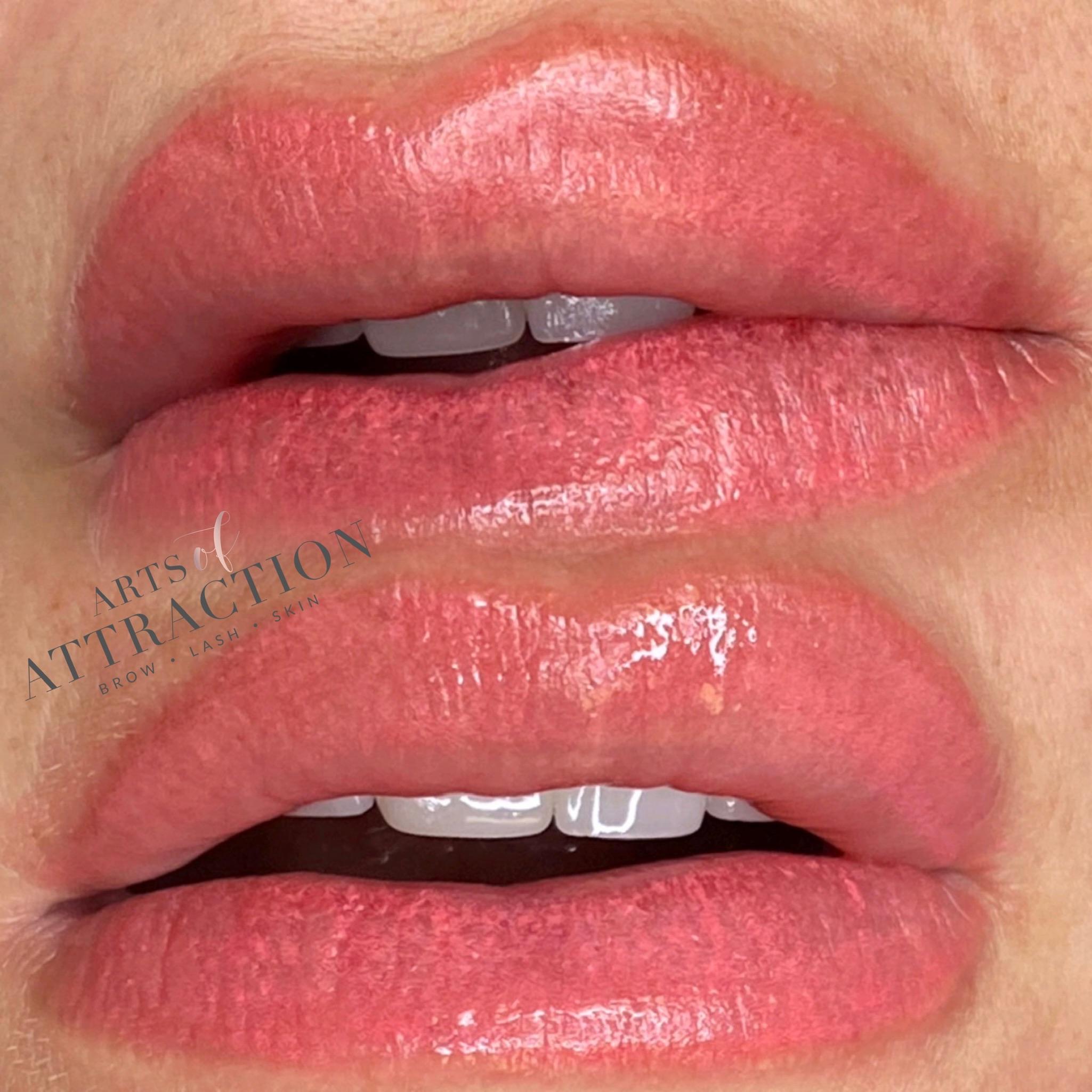 Lip Blushing Training