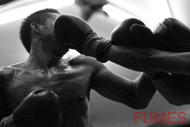Fumes - Muay Thai Round 1 - photo by ALEJANDRO PLESCH