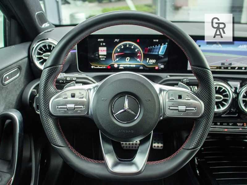 Mercedes-Benz A-Klasse A35 AMG AKRAPOVIC 4MATIC Advantage 370 PK afbeelding 5