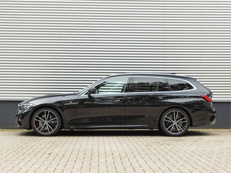 BMW 3 Serie Touring 330i M-Sport - Individual - Memoryzetel - Panorama - Trekhaak afbeelding 7