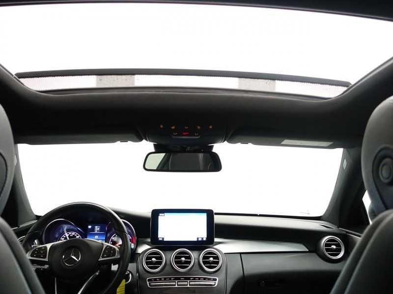 Mercedes-Benz C-Klasse Coupé 300 Prestige 245pk AMG Aut- Panodak, Leer, Camera, Navi, Xenon afbeelding 2