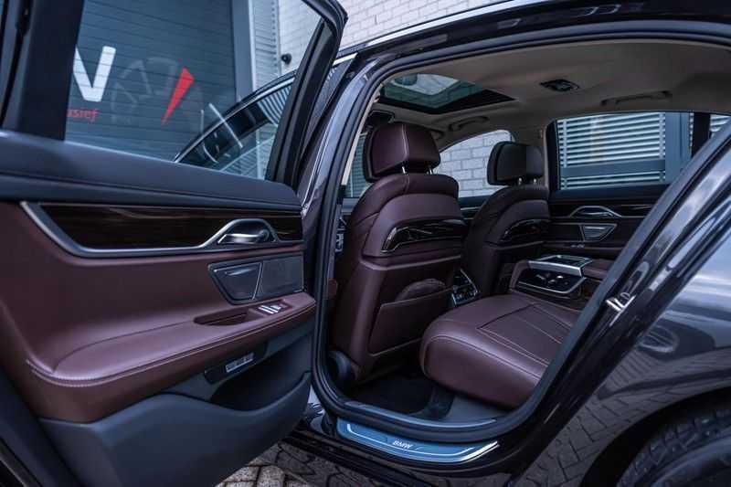BMW 7 Serie 750i xDrive High Executive, 450 PK, Schuifdak, Gesture Control, Display/Key, Massage, Head/Up, Surround view, 56DKM!! afbeelding 24