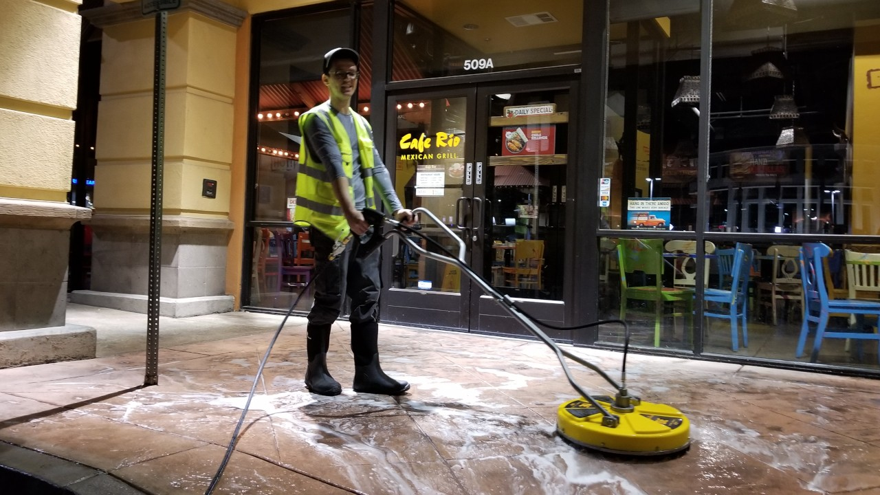 pressure-washing-cafe-rio-storefront-and-siding--cleaning-13