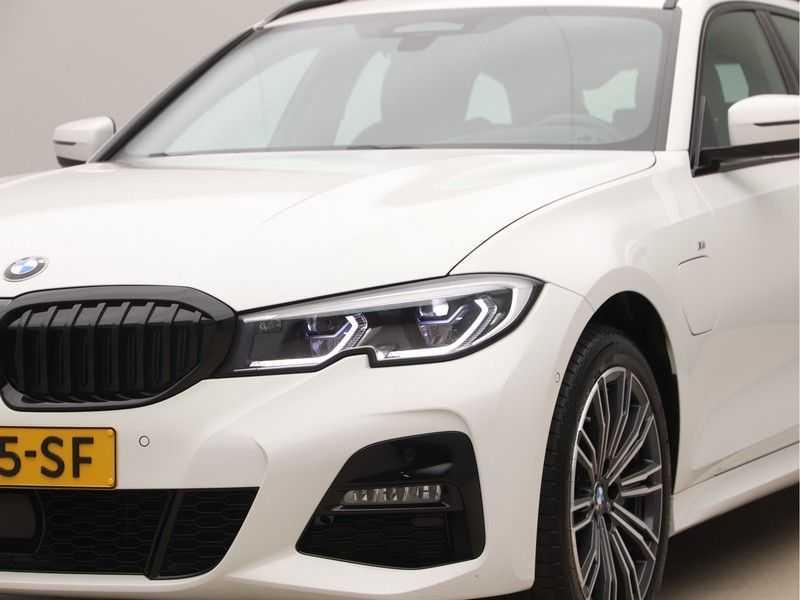BMW 3 Serie Touring 330e xDrive Exe M-Sport Hybrid afbeelding 23