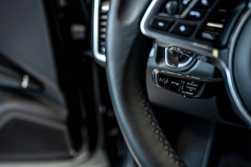 Porsche Cayenne 3.0 E-Hybrid   Panorama   Memory   360 gradencamera   Sport Chrono   DAB afbeelding 16